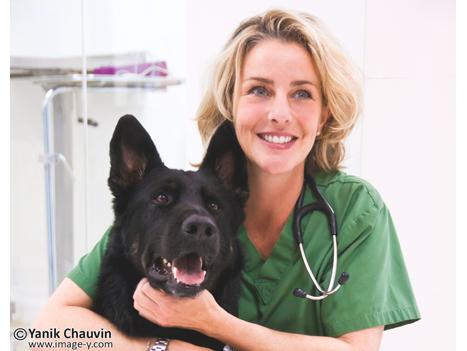 Dr Isabelle de Han